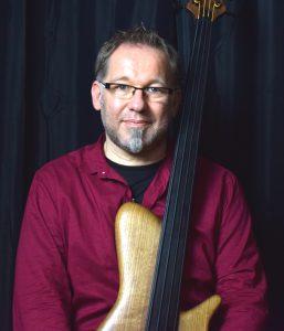 RALF GAUCK - Franz Bassguitars Ralf Gauck Signature Bass 2 hoch web